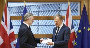 Tim Barov, stalni predstavnik UK pri EU i Donald Tusk, predsednik Evropskog saveta; Photo: Evropska unija